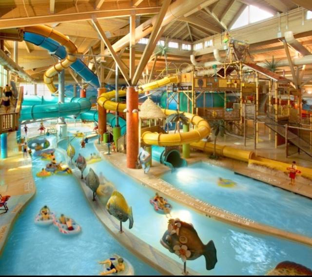 Camelback Lodge Indoor Waterpark Home: Splash Lagoon Indoor Water Park Resort
